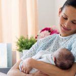 Cách chăm sóc bé sơ sinh phù hợp vào những tháng đầu tiên