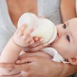 Khi nào cần đổi sữa cho bé?
