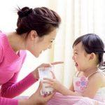 Những sai lầm cần từ bỏ khi cho bé uống sữa